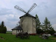 Wiatrak w Łowkowicach
