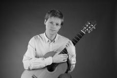 """dr Miłosz Mączyński – """"Bach i inni"""" recital gitarowy"""