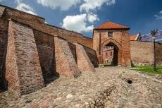 Mury miejskie, bramy i baszty w Pasłęku