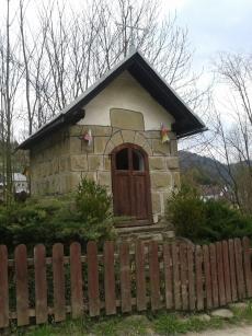 Kapliczka przy ulicy Sielskiej w Szlachtowej
