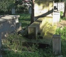 Cmentarz wojskowy w Dębicy