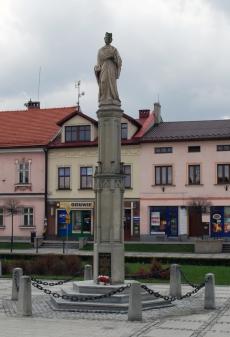 Pomnik Jana Kantego na rynku w Kętach
